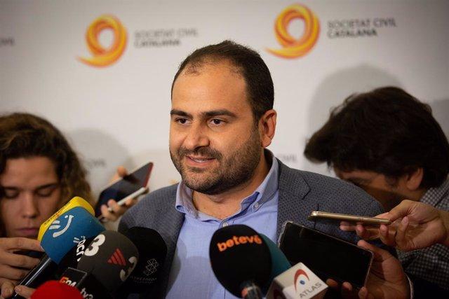 Declaracions de Fernando Sánchez Costa (president de SCC) abans de l'acte de Societat Civil Catalana.