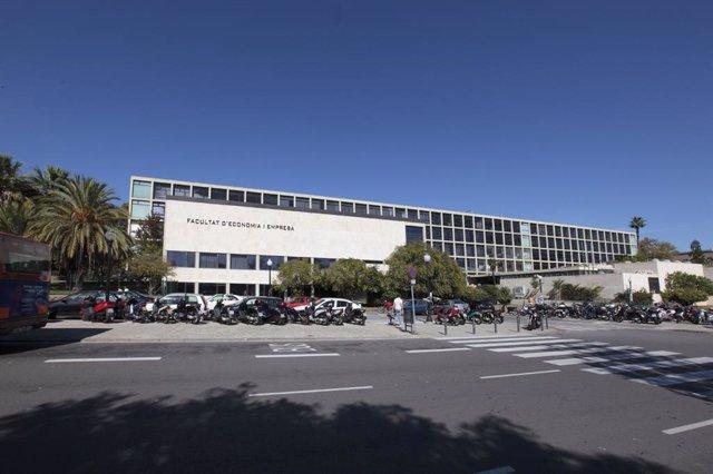 Facultat d'Economia i Empresa de la Universitat de Barcelona (UB)