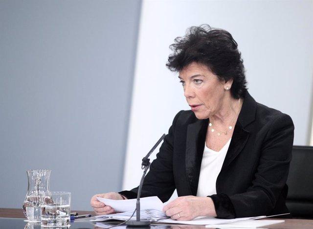 La ministra Portaveu en funcions, Isabel Celaá, compareix davant els mitjans de comunicació després del Consell de Ministres, l'endemà de l'exhumació de Francisco Franco, Madrid (Espanya), 25 d'octubre del 2019.
