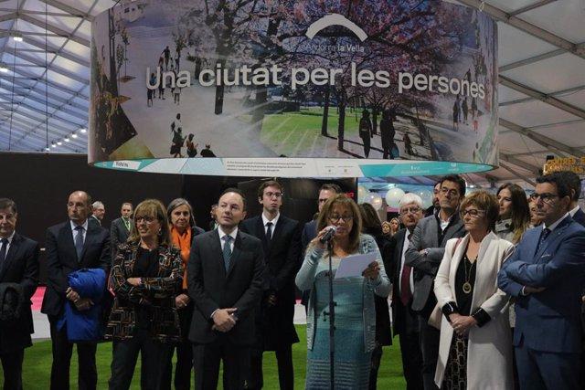 Marsol pronuncia el discurs d'inauguració de la 41a Fira d'Andorra la Vella acompanyada de diverses autoritats del país, entre elles el cap de Govern andorr.