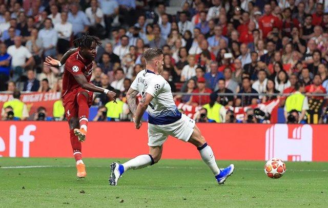 Fútbol/Premier.- (Previa) El Tottenham llega a Liverpool buscando revancha de la