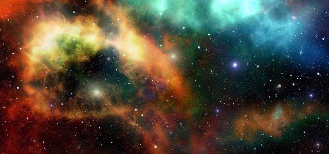Las galaxias de radio gigantes se agrandan en la distancia