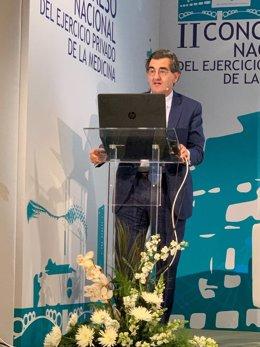 El presidente de la Fundación IDIS, Juan Abarca, durante su intervención en el II Congreso Nacional del ejercicio privado de la medicina