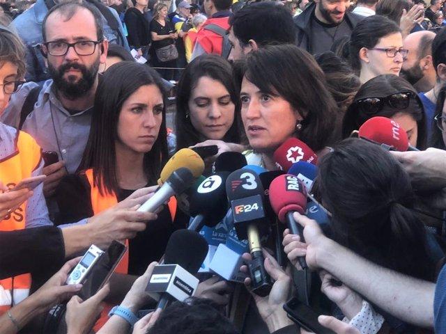 La presidenta de l'ANC Elisenda Paluzie a la manifestació de ANC y mnium Cultural contra la sentncia del procés independentista, sota el lema 'Llibertat' al carrer Marina de Barcelona el 26 de octubre de 2019.