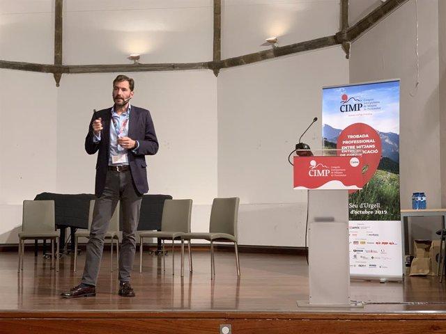 Matthew Barraclough (BBC) aI Congrés Interpirinenc de Mitjans de Proximitat (CIMP), organitzat per AMIC a la Seu d'Urgell (Lleida) el 24 i 25 d'octubre de 2019.