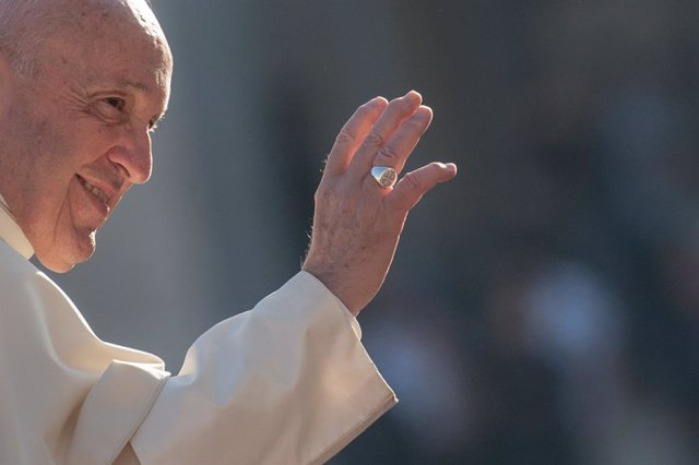 """El Papa volverá a convocar la comisión sobre diaconado femenino: """"Recojo el guan"""