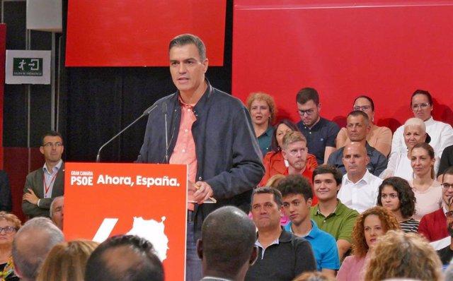 El presidente del Gobierno en funciones, Pedro Sánchez, en un acto del PSOE en Las Palmas de Gran Canaria