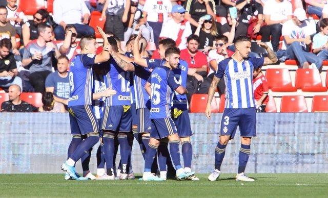 Fútbol/Segunda.- (Crónica) La Ponferradina sorprende al Rayo (1-3) y el Depor se