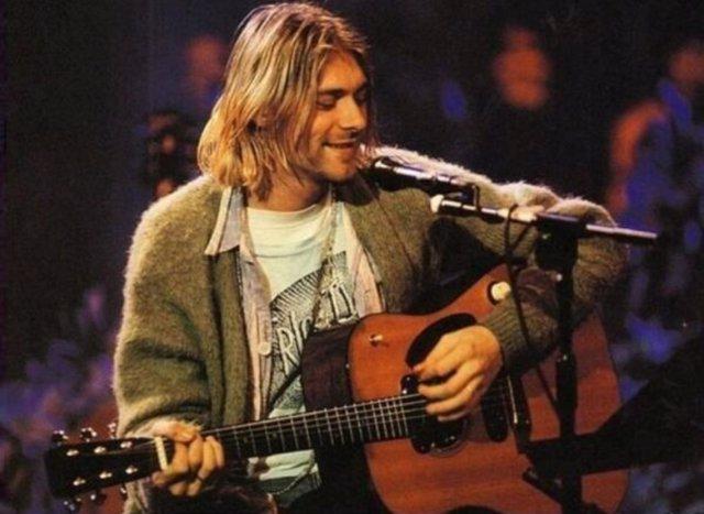 Kurt Cobain en el Unplugged de 1993
