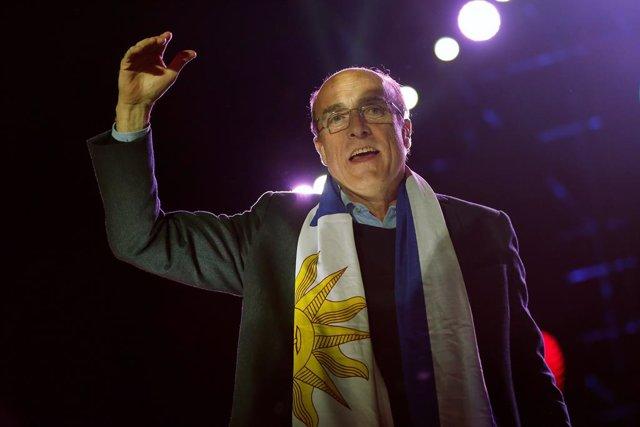 Daniel Martínez agradece el apoyo de Pedro Sánchez tras depositar su voto en las