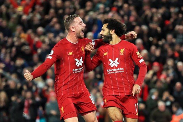 Fútbol/Premier.- (Crónica) El Liverpool remonta y gana la reedición de la última
