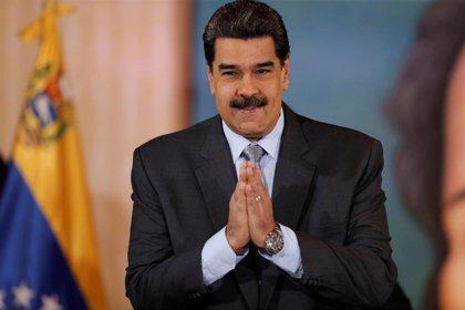 """Maduro felicita a Fernández por una """"contundente e inobjetable"""" victoria en las elecciones presidenciales de Argentina"""