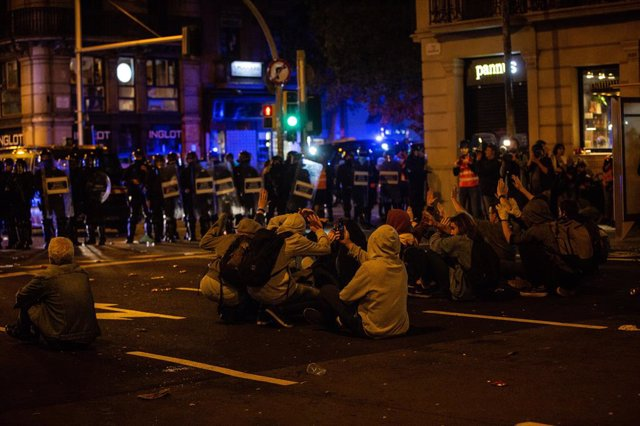 Seguda després d'una concentració davant la Prefectura de Policia de Barcelona contra l'actuació policial en els aldarulls després de la sentència del procés independentista, el 26 d'octubre de 2019