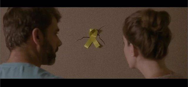 Imatge del vídeo electoral de Ciutadans sobre els llaços grocs.