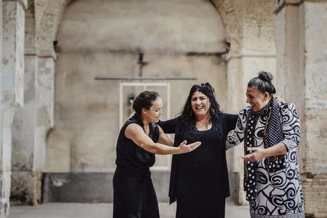 Rocío Molina desconstruye la obra pictórica realizada por Lita Cabellut para la Bienal de Flamenco