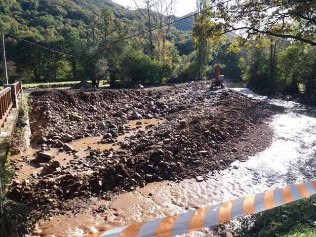 Trabajos de recuperación del Río Bayones, en Ucieda
