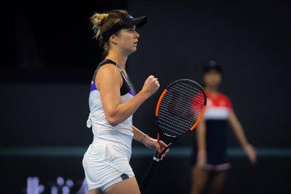 Svitolina empieza con éxito su defensa del título de 'maestra' y Halep le remonta a Andreescu