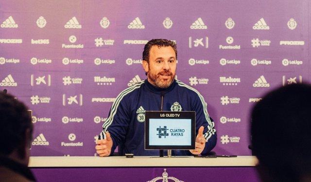 El entrenador del Real Valladolid CF, Sergio González, en rueda de prensa