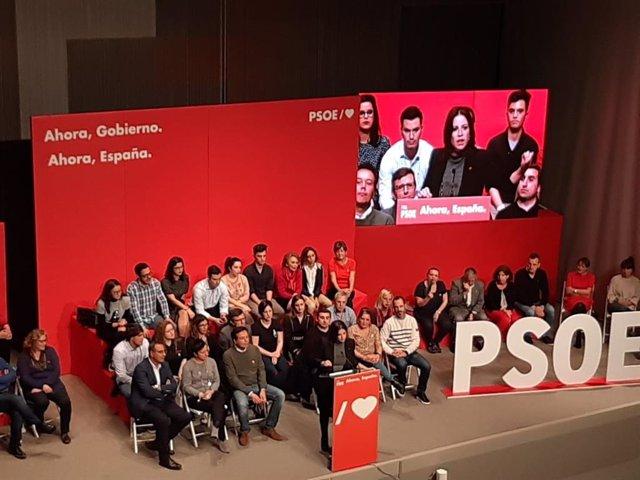 La cabeza de lista del PSOE en Asturias al Congreso de los Diputados, Adriana Lastra, durante un acto organizado por el PSOE en Gijón