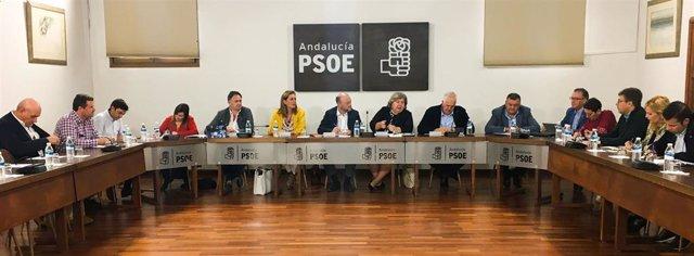 Reunión de Clara Aguilera y Antonio Pradas con represenatntes agrarios y portavoces socialistas