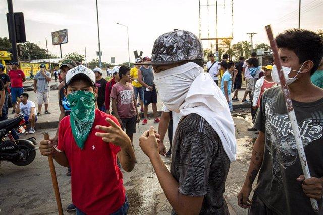 28/10/2019, Santa Cruz (Bolívia), Almenys 30 ferits en els enfrontaments entre seguidors i opositors de Morales
