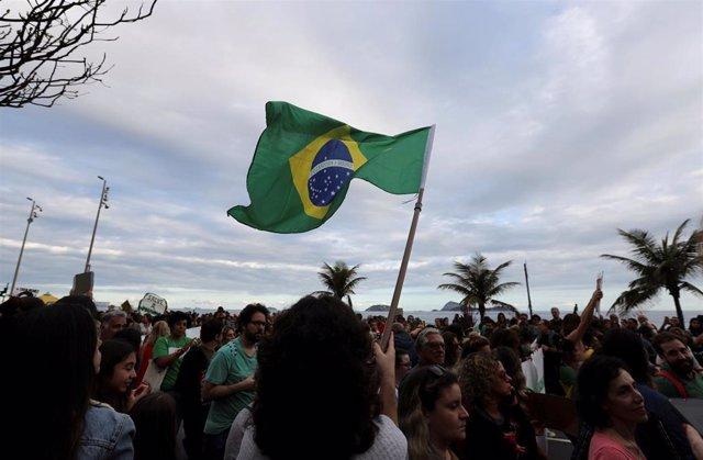 Manifestación para pedir la protección de la Amazonia in Rio de Janeiro