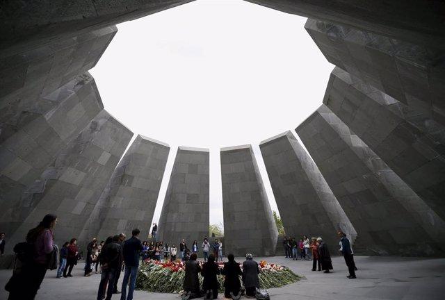El Memorial del Genocidio Armenio de Tsitsernakaberd en la capital de Armenia, Ereván