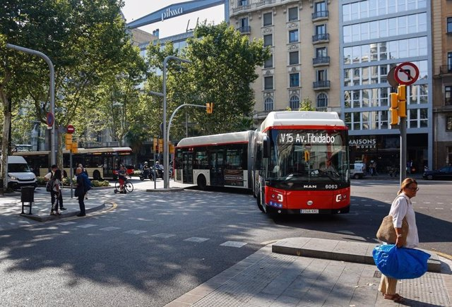 Bus V15 a Barcelona