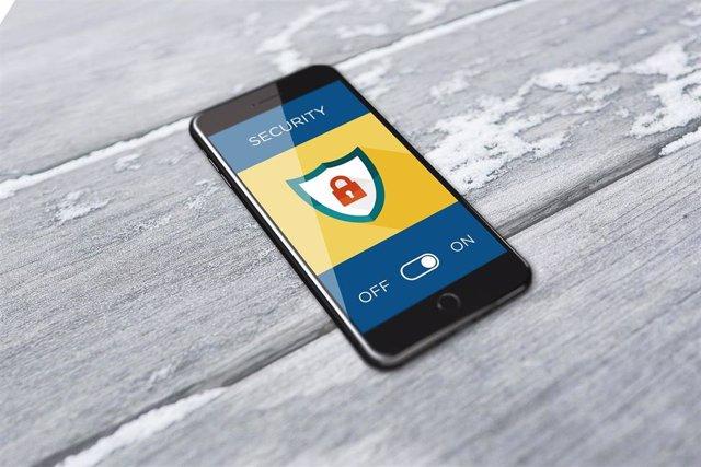 Ciberseguridad y teléfono móvil, recurso