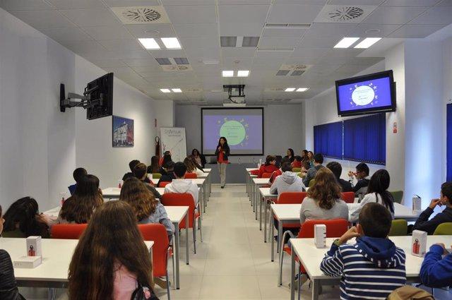 Alumnos en el PCT Cartuja en el programa 'Ciencia y Tecnología en Femenino'