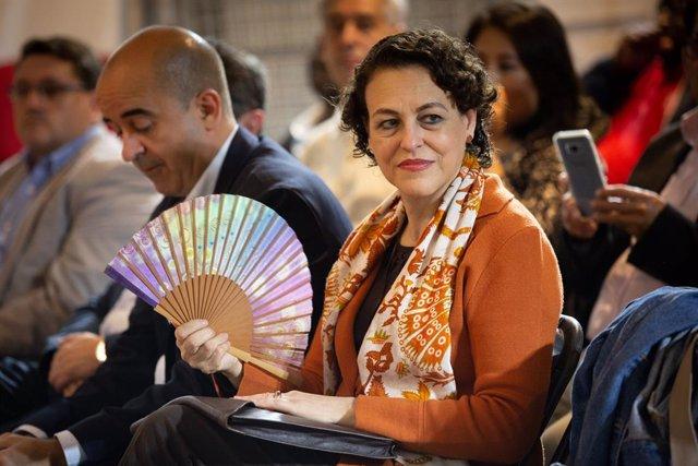 La ministra d'Ocupació, Migracions i Seguretat Social, Magdalena Valerio, participa en un col·loqui a la seu del PSC de Barcelona (Catalunya, Espanya) 29 d'octubre del 2019.