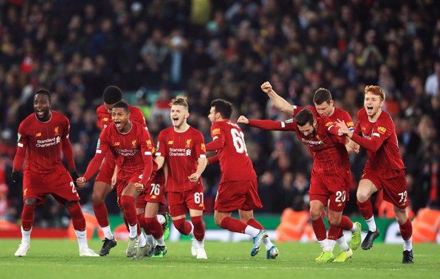 Fútbol.- El Liverpool se queda un 5-5 contra el Arsenal en los penaltis