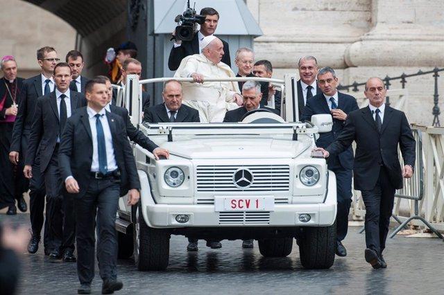 "El Papa dice que el amor a Jesús ""no es un amor de telenovela"""