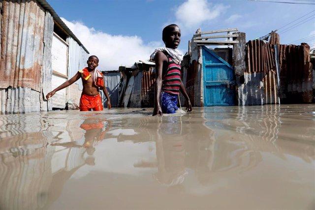 Las inundaciones por las lluvias estacionales dejan más de 182.000 nuevos desplazados en Somalia, Mogadiscio