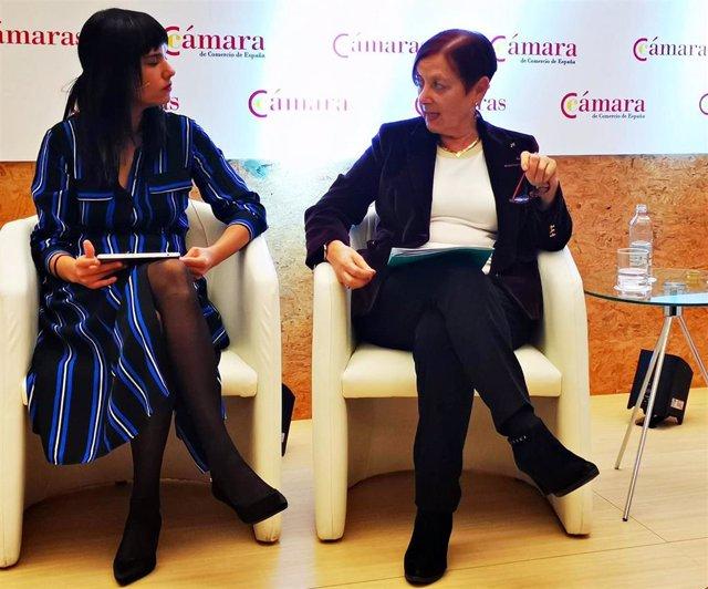 La rectora de la UAB, Margarita Arboix (a la derecha) en un acto de en la Cámara de Comercio de España.