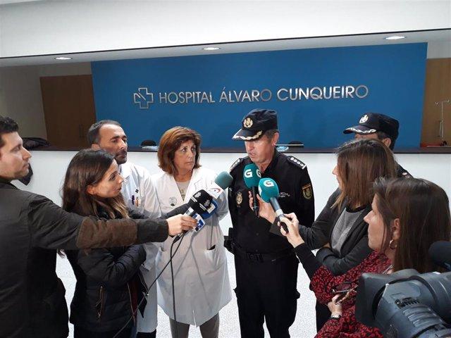 Imaxe do comisario xefe, o xerente da EOXI de Vigo e a responsable da UCI do hospital Álvaro Cunqueiro.