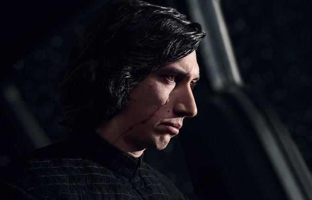 Adam Driver es Kylo Ren en Star Wars