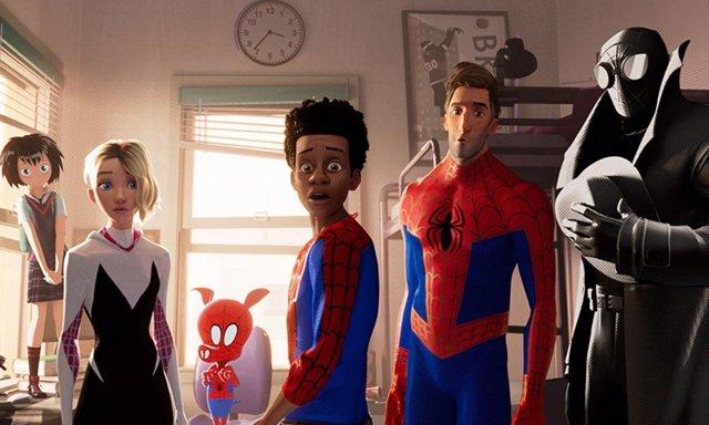 El equipo protagonista de Spider-Man: Un nuevo universo