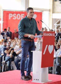 El president del govern en funcions, Pedro Sánchez, en l'acte del Partit Socialista a Mislata (València), dissabte 2 de novembre de 2019.