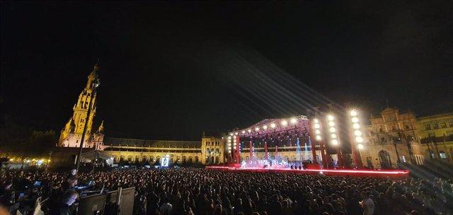La Plaza de España de Sevilla durante el concierto de Green Day en el concierto de MTV