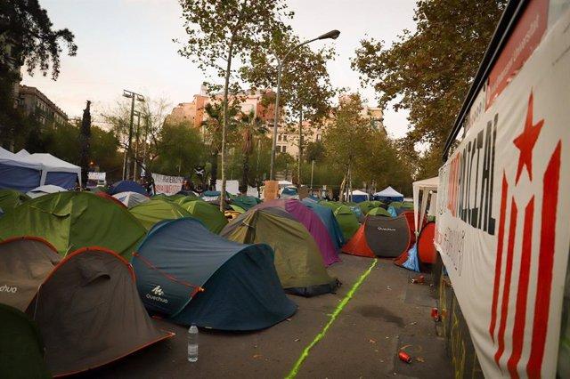 Acampada a la plaça Universitat de Barcelona.