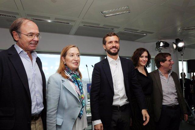Pio García-Escudero, Ana Pastor Julián, Pablo Casado, Isabel Díaz-Ayuso i José Luis Martínez-Almeida.