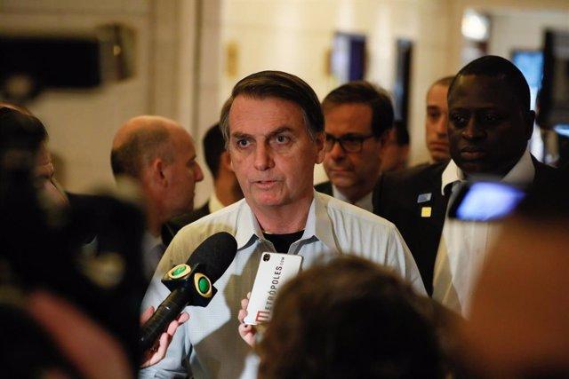 """Brasil.- Bolsonaro anticipa """"al 90 por ciento"""" que creará un nuevo partido por l"""