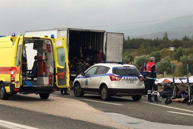 La Policía de Grecia encuentra 41 migrantes en un camión frigorífico cerca de Xánthi