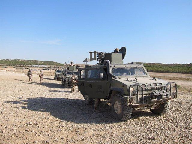 Militars fent maniobres a Saragossa.