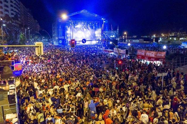 Resultado de imagen de El Ayuntamiento de Santa Cruz de Tenerife inicia la revisión del expediente del concierto de Juan Luis Guerra
