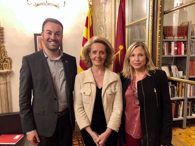 El president de l'Associació Catalana de Municipis (ACM), Lluís Soler; la consellera de Cultura de la Generalitat, Maringela Vilallonga, i la secretria general de l'ACM, Joana Ortega