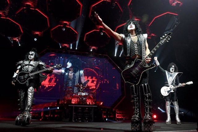 KISS In Concert - Inglewood, CA