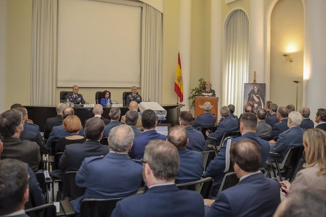 La ministra de Defensa, Margarita Robles, durante la inauguración de la cátedra Alfredo Kindelán en el Cuartel General del Aire