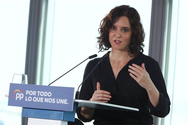 La presidenta de la Comunidad de Madrid, Isabel Díaz Ayuso, interviene en un acto durante una visita al proyecto de Madrid Norte, en Madrid (España), a 3 de noviembre de 2019